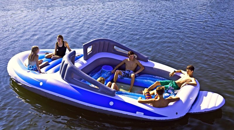 inflatable yacht_summer