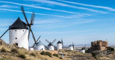 España espera iniciar repunte turístico en Semana Santa